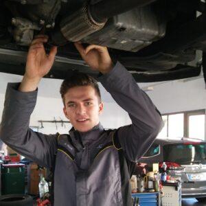 Martin Resch KFZ-Mechatroniker Auszubildender Mitarbeiter seit 2017